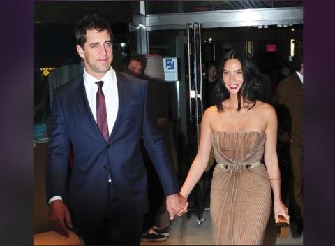 News video: Aaron Rodgers -- Olivia Munn's Arm Candy In First Official Public Outing